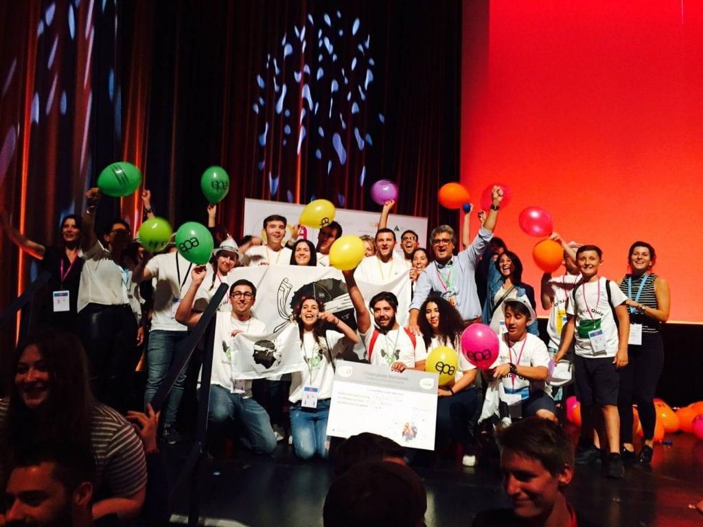 Les stagiaires de l'E2C Bastia, champions de France du concours national des mini-entreprises, dans la catégorie Initiative Emploi