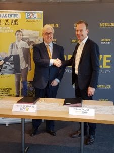 Signature partenariat E2C78 et Fondation d'entreprise Renault