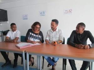 Signature partenariat entre l'E2C Réunion et D2R
