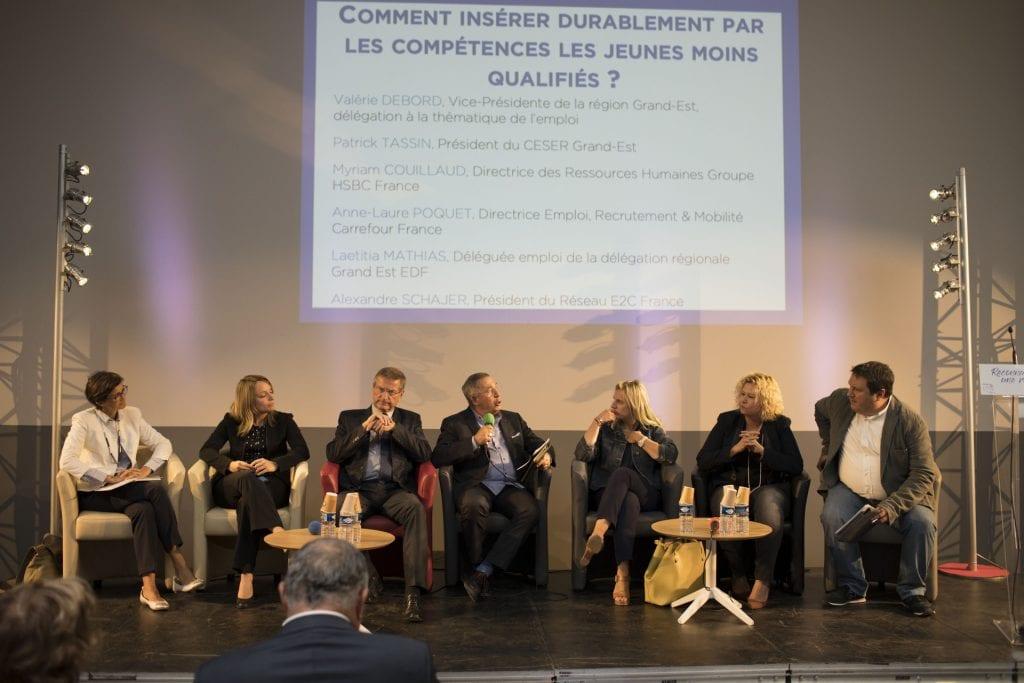 """Table ronde """"Comment insérer durablement par les compétences les jeunes moins qualifiés?"""""""